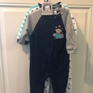Gerber set of 3 footed PJs - NEW